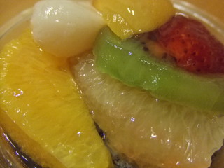 フルーツと薬草ゼリーのスイーツ
